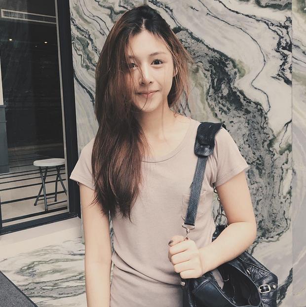 Đây là hot girl Thái Lan được nhận xét có gương mặt giống Quỳnh Anh Shyn đến 80%! - Ảnh 12.