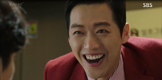 """""""Remember"""": Yoo Seung Ho nghẹn lời khi đã giải oan cho cha thành công - Ảnh 11."""