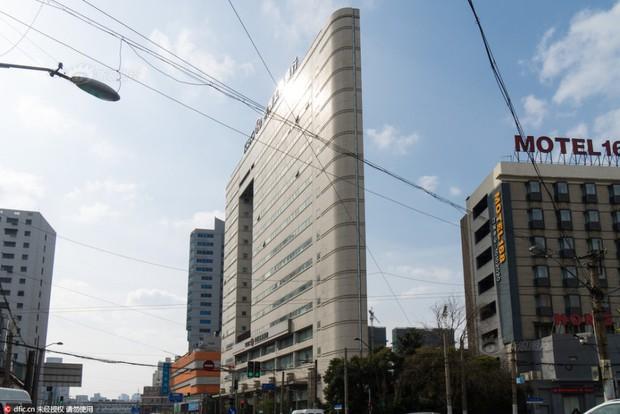 Những tòa nhà không thể mỏng hơn chỉ có ở Trung Quốc - Ảnh 3.