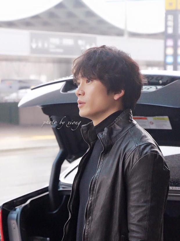 """Tạo hình của Ji Sung trong """"Entertainer"""" hứa hẹn còn """"lầy"""" hơn bánh bèo Yoo Na - Ảnh 9."""