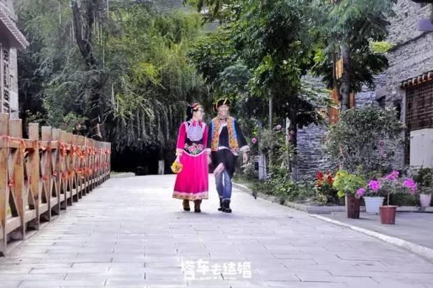 Cặp đôi trẻ cùng xin nghỉ việc để có thời gian đi chụp ảnh cưới vòng quanh Trung Quốc - Ảnh 8.