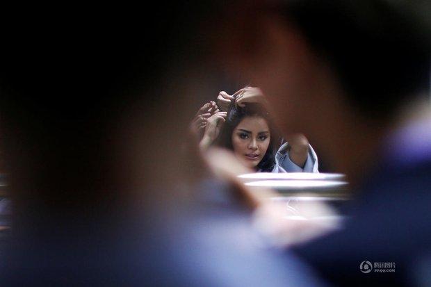 Chùm ảnh: Hậu trường cuộc thi Hoa hậu chuyển giới được quan tâm nhất Thái Lan - Ảnh 10.