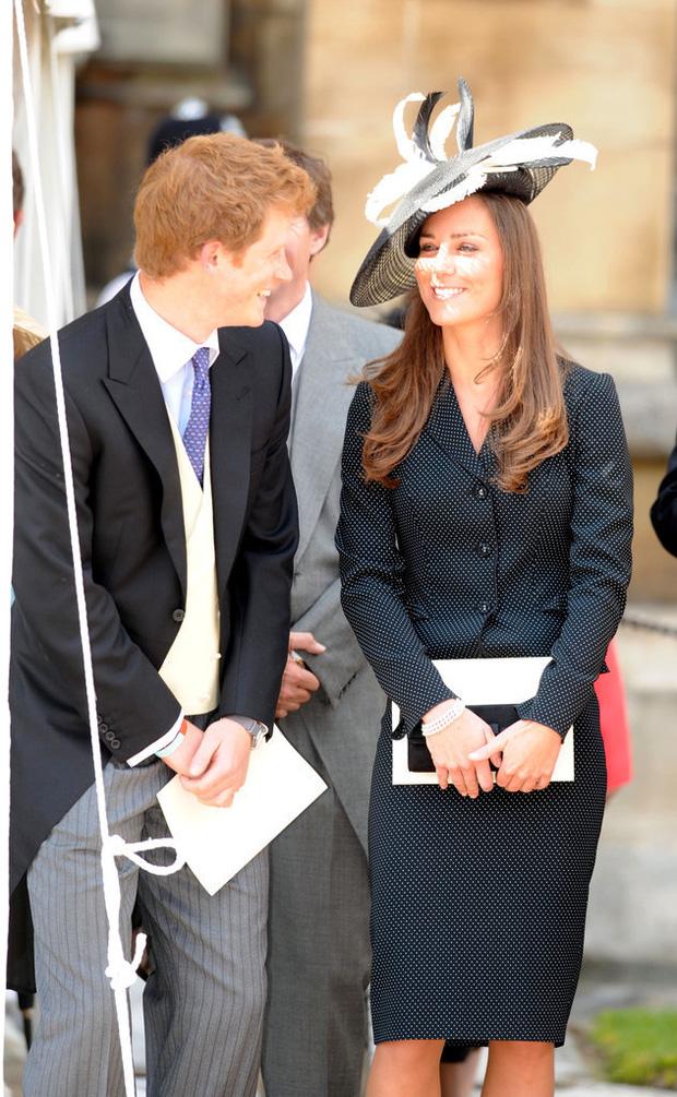 Tình cảm thân thiết đáng kinh ngạc giữa Công nương Kate và Hoàng tử Harry - Ảnh 8.
