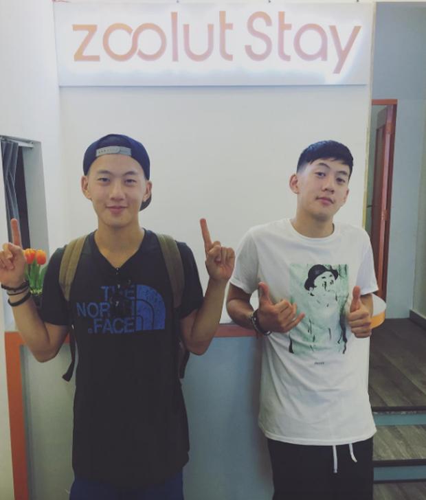 2 anh em sinh đôi lai Việt - Thái đẹp trai, hát hay đang cực hot trên MXH - Ảnh 10.