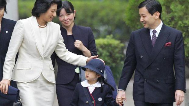 Tình yêu trọn đời mà Thái tử Nhật dành cho vị Công nương trầm cảm lay động trái tim hàng triệu người - Ảnh 11.