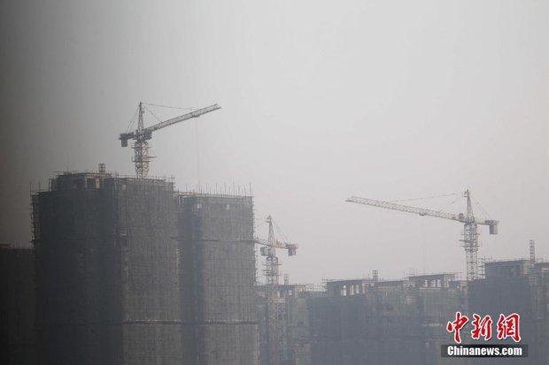 Trung Quốc: Ô nhiễm không khí tới nỗi học sinh ngồi thi ngoài sân trường khỏi cần giám thị - Ảnh 6.