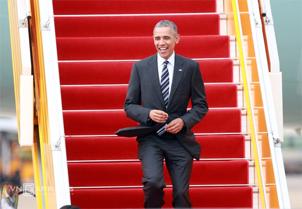 Những hình ảnh ấn tượng nhất của Tổng thống Obama trong 3 ngày ở Việt Nam - Ảnh 7.