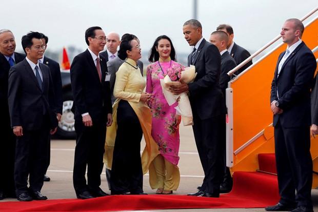 Những hình ảnh ấn tượng nhất của Tổng thống Obama trong 3 ngày ở Việt Nam - Ảnh 8.