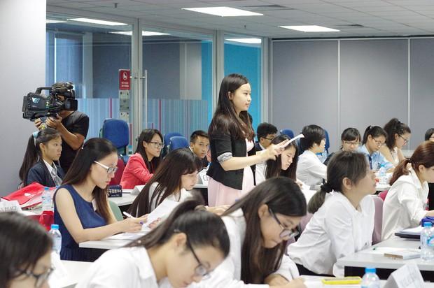 17 tuổi, nữ sinh tài năng này đã sáng lập hội thảo Mô phỏng Liên Hợp Quốc cho các bạn trẻ Việt Nam - Ảnh 6.