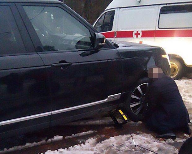 Tai nạn hi hữu: Một người đàn ông Nga bị kẹt đầu vào bánh xe dẫn đến tử vong - Ảnh 1.