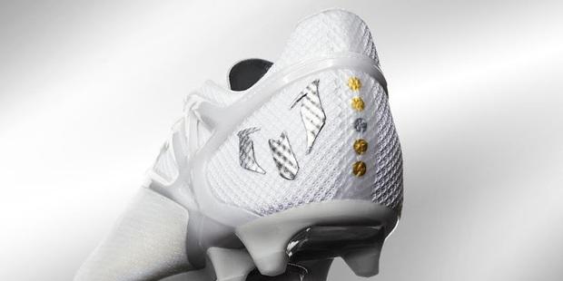 Adidas tặng Messi giày thửa tuyệt đẹp mừng Quả bóng vàng FIFA - Ảnh 4.
