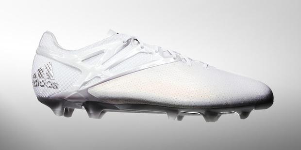 Adidas tặng Messi giày thửa tuyệt đẹp mừng Quả bóng vàng FIFA - Ảnh 8.
