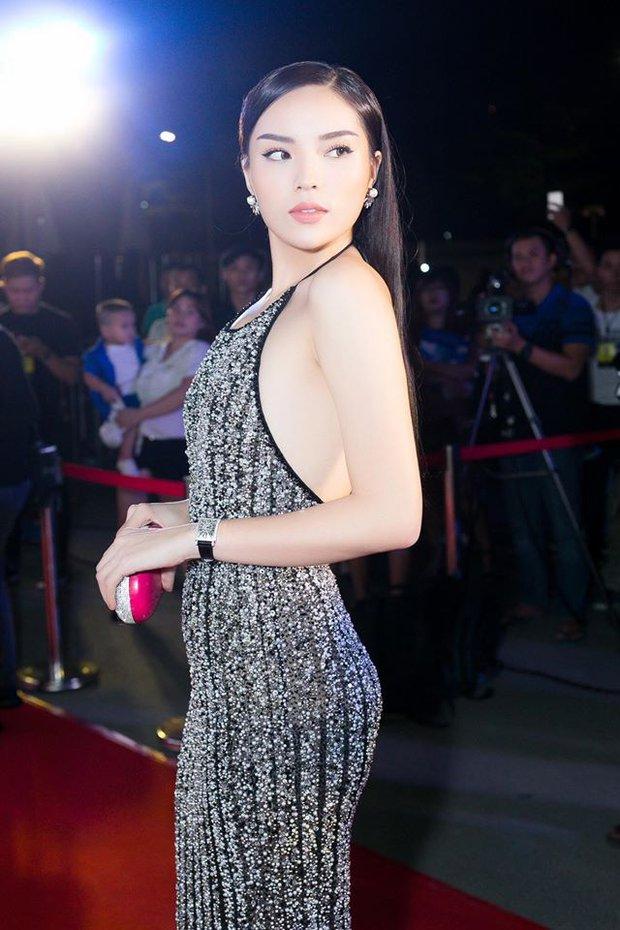 Vừa chuyển style nữ tính, An Nguy đã đụng ngay váy khoét lưng gợi cảm với Hoa hậu Kỳ Duyên - Ảnh 5.