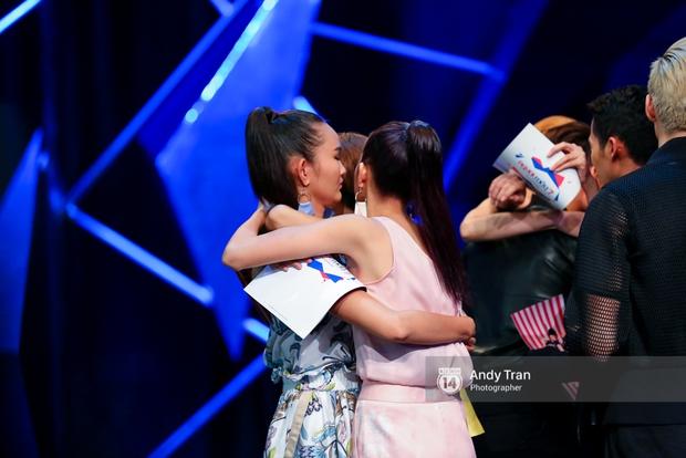 Next Top Model: Duy Minh bị loại, Thiếu Lan khóc hết nước mắt và nhập viện - Ảnh 12.