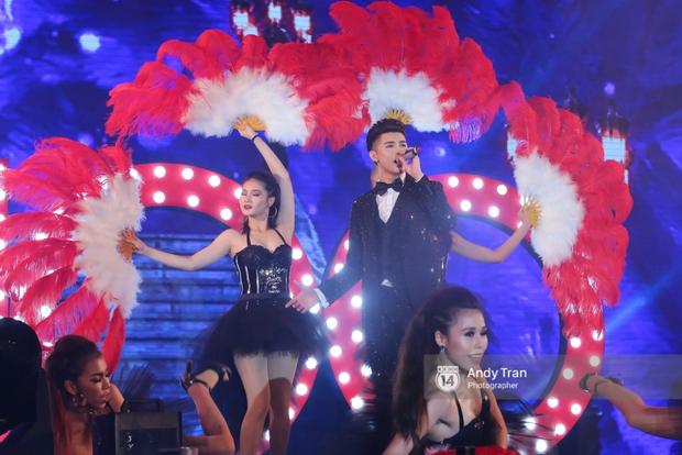 Noo Phước Thịnh khẳng định đẳng cấp với Live Concert 35.000 khán giả - Ảnh 23.