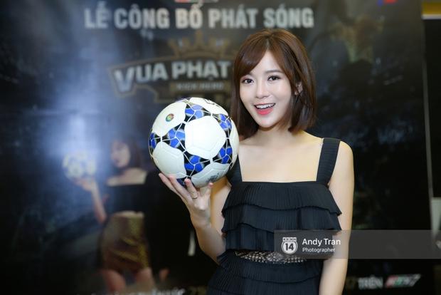 Hot girl Tú Linh M.U cực xinh trong buổi ra mắt gameshow bóng đá - Ảnh 4.