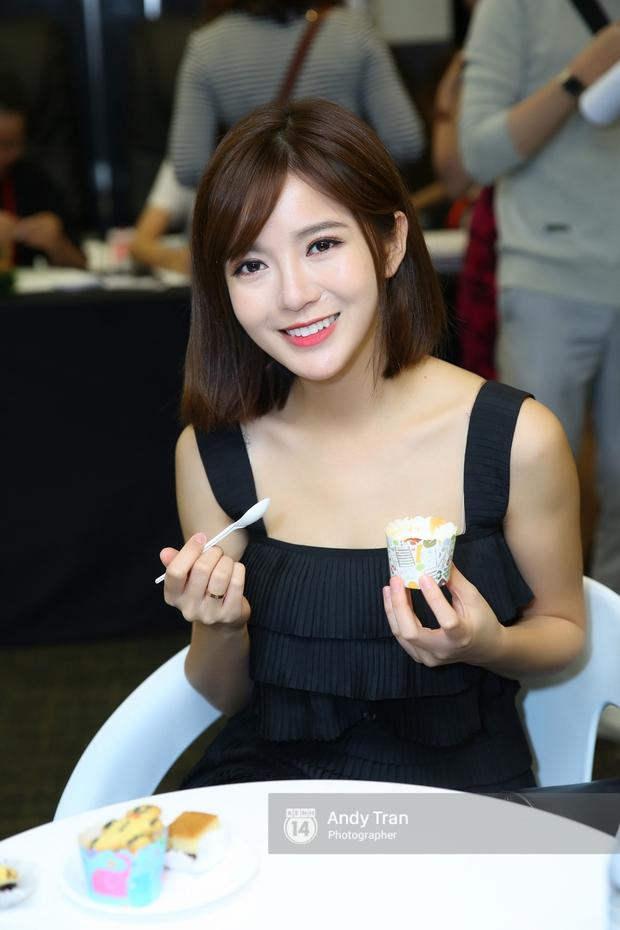 Hot girl Tú Linh M.U cực xinh trong buổi ra mắt gameshow bóng đá - Ảnh 6.
