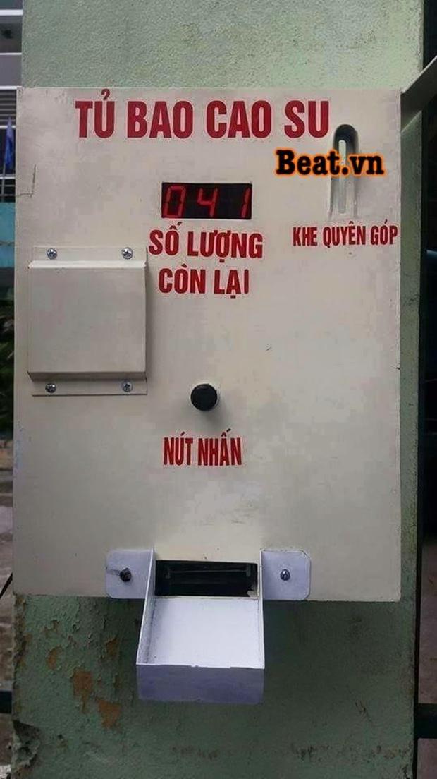 Sinh viên Đà Nẵng sáng chế máy phát bao cao su miễn phí cho người dân - Ảnh 1.