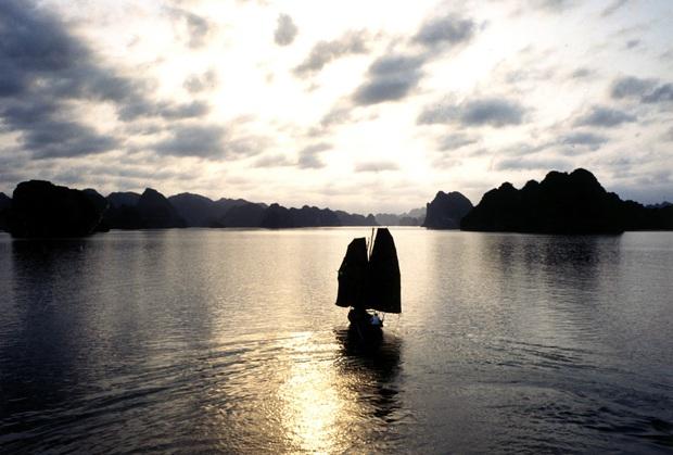 Đông Dương - Người Việt cũng phải ngỡ ngàng với cảnh Việt trong phim 24 năm về trước - Ảnh 4.