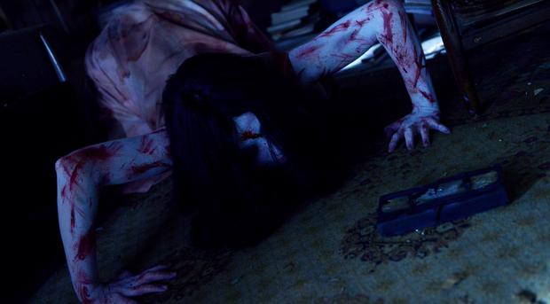Sadako vs. Kayako - Khi Ma Nữ Đại Chiến, nỗi sợ nhân đôi - Ảnh 7.
