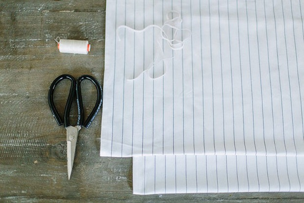 Tự làm áo không dây đi biển cực dễ chỉ với chun và vải - Ảnh 1.