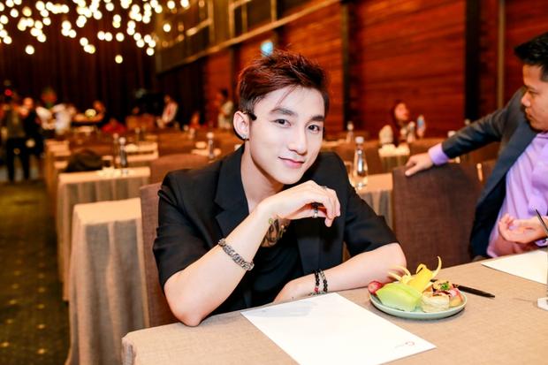 Sơn Tùng M-TP, Hoàng Thùy Linh cùng dàn sao khởi động tour diễn cực chất cho sinh viên - Ảnh 8.
