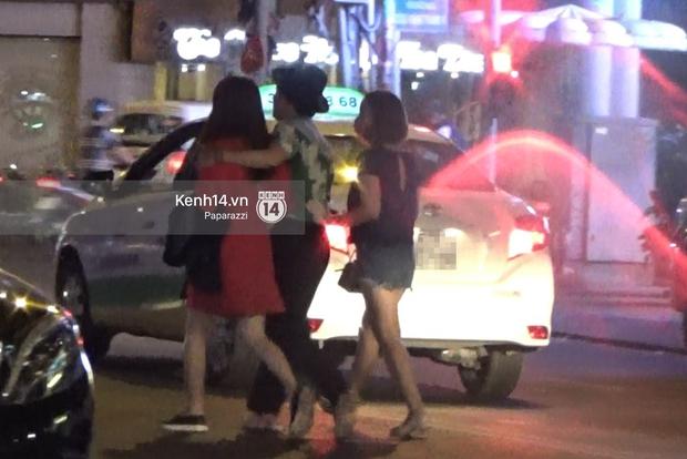 Trường Giang - Nhã Phương diện đồ đôi, ôm nhau giữa ồn ào scandal - Ảnh 9.