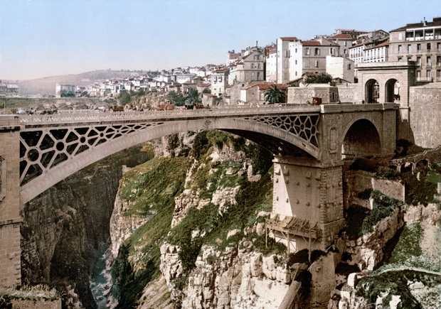 20 cây cầu có thiết kế ngoạn mục khiến bạn phải thốt lên: Kỳ quan đây rồi! - Ảnh 13.