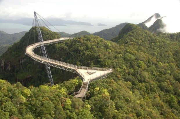 20 cây cầu có thiết kế ngoạn mục khiến bạn phải thốt lên: Kỳ quan đây rồi! - Ảnh 17.
