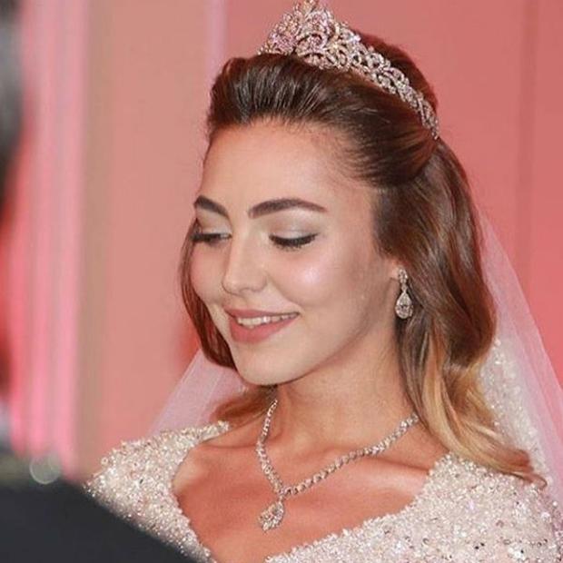 Nghẹt thở trước độ xa hoa trong đám cưới hơn 22.000 tỷ của Lọ Lem phiên bản đời thực - Ảnh 5.