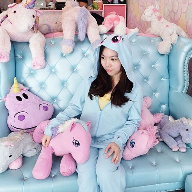 Quán cafe kỳ lân tông hường mộng mơ dành cho fan của My Little Pony - Ảnh 6.