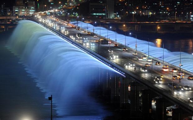 20 cây cầu có thiết kế ngoạn mục khiến bạn phải thốt lên: Kỳ quan đây rồi! - Ảnh 6.