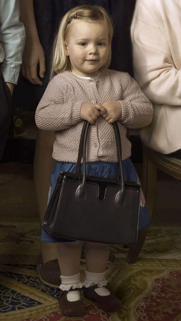 Mia Tindall - cô công chúa nhỏ đáng yêu của hoàng gia Anh - Ảnh 10.