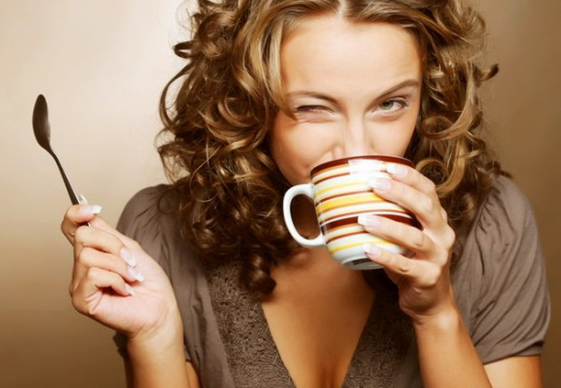 Khoa học chứng minh: Uống cà phê tốt hơn uống trà - Ảnh 2.