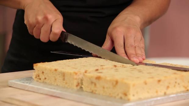 Hô biến bánh gato thành túi xách hàng hiệu đẹp giống thật đến từng chi tiết - Ảnh 2.