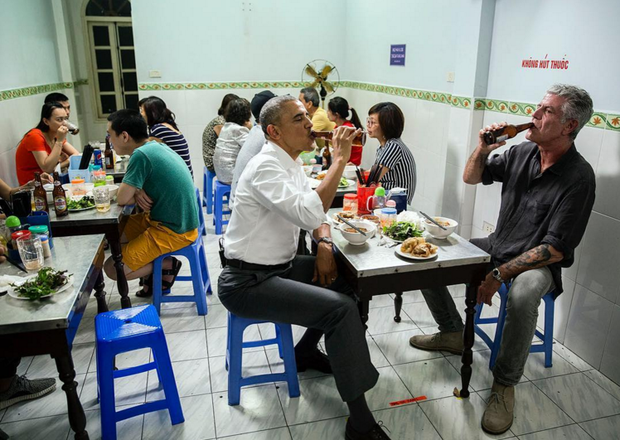 Những hình ảnh ấn tượng nhất của Tổng thống Obama trong 3 ngày ở Việt Nam - Ảnh 3.