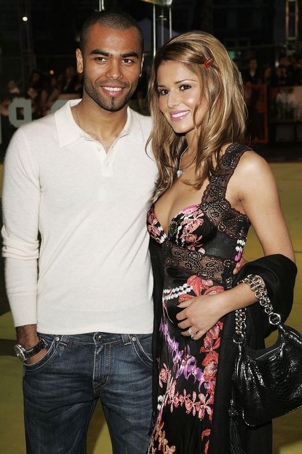 Họa mi Cheryl vẫn còn yêu say đắm Ashley Cole - Ảnh 4.