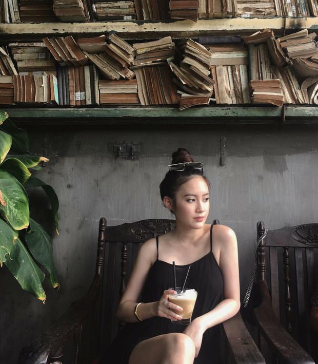 Hot girl Lào gốc Việt Chi Chi và chị em gái khoe ảnh tung tăng ở Hà Nội - Ảnh 4.