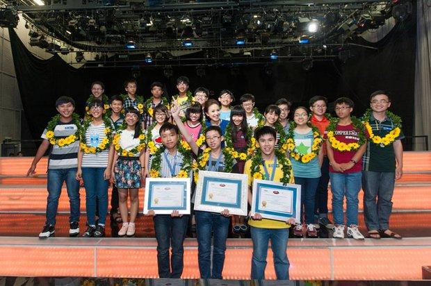Biết đọc từ 18 tháng, lớp 9 học hết sách lớp 11, và giờ Cậu bé Google đang lần lượt san bằng kỷ lục Olympia - Ảnh 6.