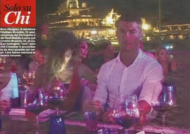 Ronaldo vẫn đang hẹn hò với siêu mẫu nóng bỏng Cristina Buccino - Ảnh 1.