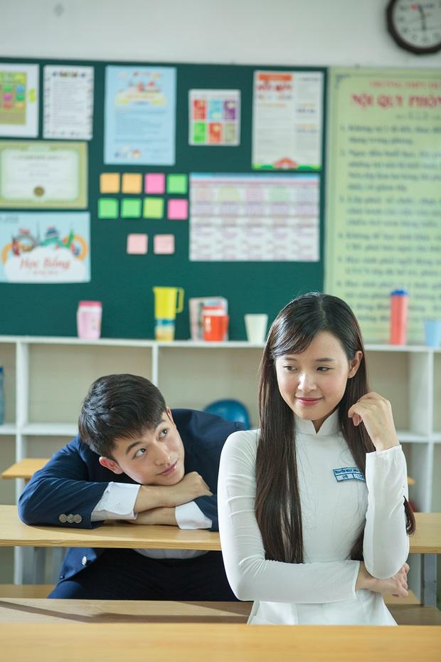 Midu và Harry Lu cưa sừng làm nghé trong phim thanh xuân vườn trường Việt - Ảnh 2.
