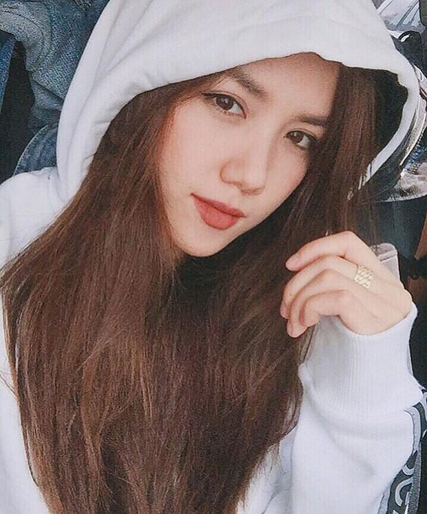 Lục Instagram của loạt hot girl Việt tìm ra 5 màu son hot phá đảo thời gian này - Ảnh 8.