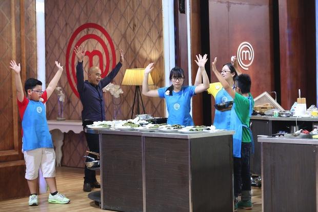 Ngô Thanh Hòa lộ điểm yếu trước Thanh Cường, cậu bé cool ngầu Hoàng Hải ra về - Ảnh 8.