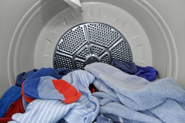 Giặt đồ lót đúng cách giúp bạn tránh được tỷ thứ bệnh - Ảnh 2.