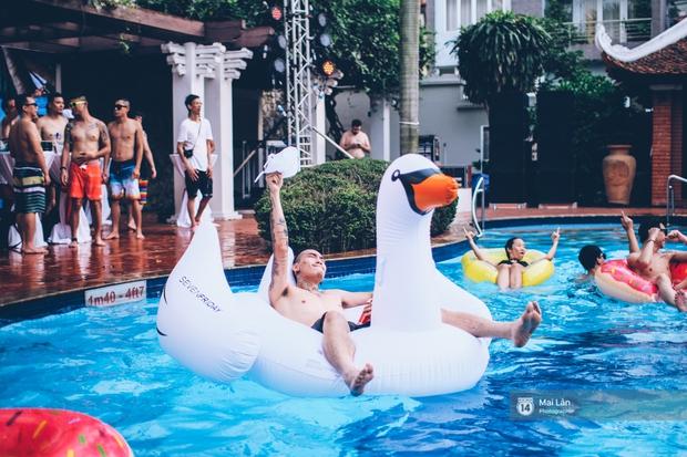 Pool party cuối tuần - Con gái Hà Nội, khi muốn sexy thì cũng sexy hết cỡ! - Ảnh 26.
