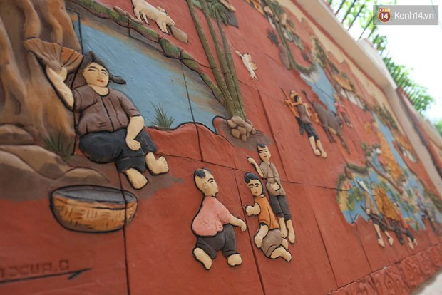 """Người dân bỏ tiền túi làm con ngõ tranh gốm """"độc nhất"""" ở Hà Nội - Ảnh 8."""