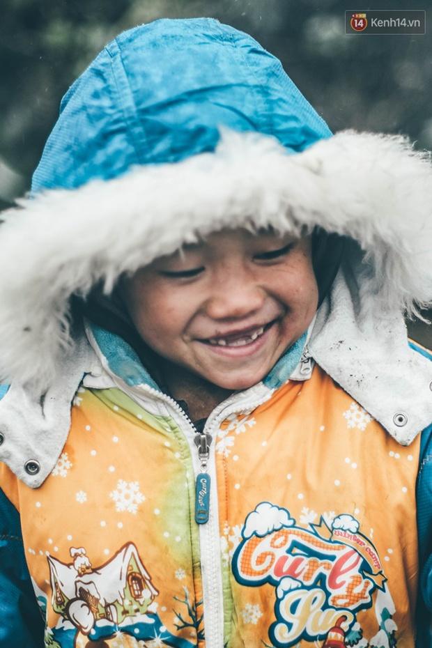 Chùm ảnh: Những đôi mắt, nụ cười rất trong của các em bé vùng cao - Ảnh 7.