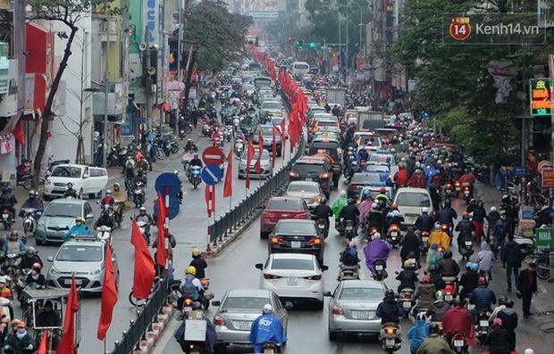 Ám ảnh tắc đường ở thủ đô những ngày giáp tết - Ảnh 2.