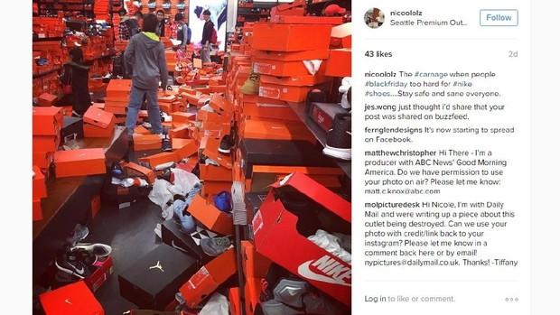 Cửa hàng Nike ở Mỹ bị bới tung, như vừa trải qua một trận động đất trong ngày Black Friday - Ảnh 8.