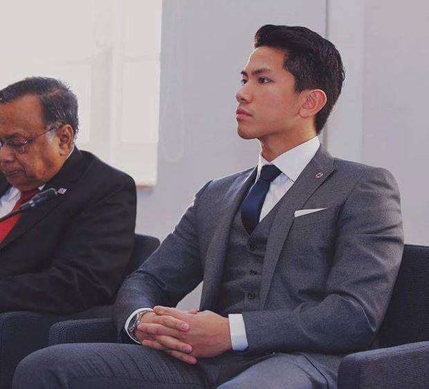 Hoàng tử soái ca đến từ Brunei: Đẹp trai, chuẩn 6 múi và tài sản 20 tỉ đô - Ảnh 1.